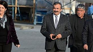 BDP ve HDP heyeti İmralı'ya gitti
