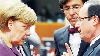 """Hollande ve Merkel'den """"dinleme"""" zirvesi"""