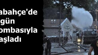 Dolmabahçe güne gaz bombasıyla başladı