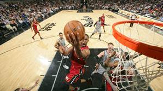 Miami Heat finalin rövanşını vermedi