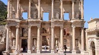 İki turistten biri Efes'e gitti