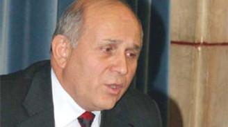 """Anayasa mahkemesi, referanduma giden metne bakamaz"""