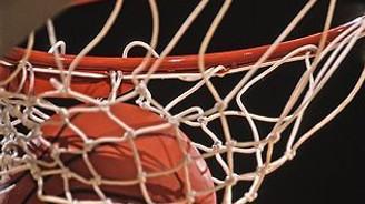 Genç basketbolcu rakip potaya 109 sayı gönderdi