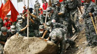 Çin'deki toprak kaymalarında 1117 kişi öldü