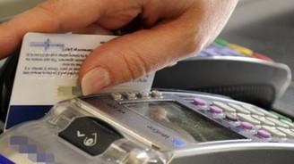Tüketici kredileri arttı,kart kullanımı azaldı