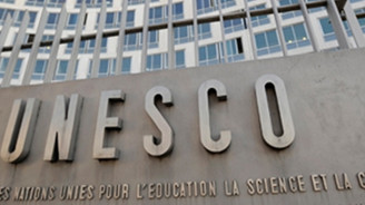 UNESCO'da sergi krizi