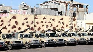 Libya'da Karargah'a bomba atıldı