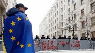Ukrayna'da Adalet Bakanlığı binası işgal edildi