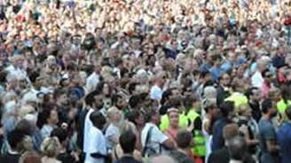 İsveç'te 20 bin kişi ırkçılığı protesto etti