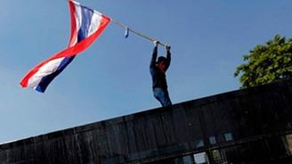 Tayland'da ilk kez çatışma çıktı
