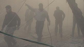 Halep'e 'varil bombası' saldırısı: 35 ölü