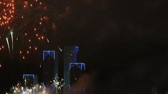 Kazakistan yeni yıla havai fişeklerle girdi