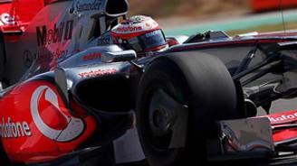 Formula 1'de damalı bayrağı Vettel gördü