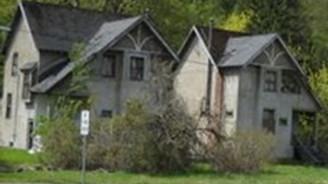 Bu ev 2 TL'ye satılık