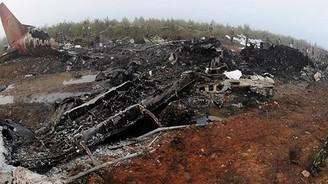 Tunus'ta askeri uçak düştü: 11 ölü