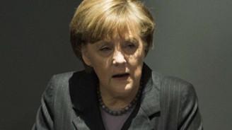 Merkel Putin'e sınıra asker yığmasıyla ilgili rahatsızlığını iletti