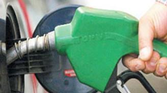 Benzin ve motorinin fiyatı 5 kuruş düştü