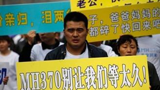 Çin, kayıp uçak için kanıt istiyor