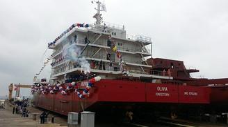 """Türkiye'de inşa edilen ikinci """"otel gemi"""" denize indirildi"""