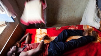 Gine'de Ebola salgını 87 can aldı