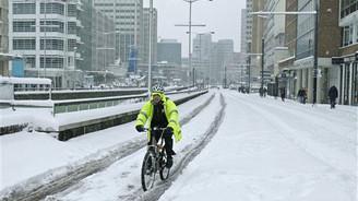 Kar, THY'nin Londra seferlerini iptal etti