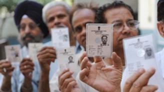 Hindistan'da genel seçimler sürüyor