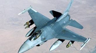 Yunan jetlerinden Türk uçaklarına taciz
