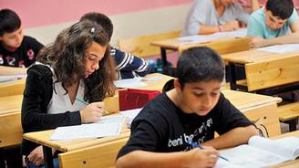 Merkezi sınavların ilk oturumu sona erdi