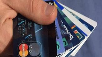 İngiltere'de kart kullanımı en yüksek seviyeye ulaştı