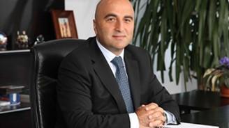 İİB'de Zekeriya Mete yeniden başkan seçildi
