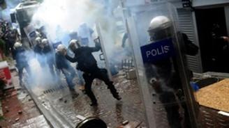 Alman medyası Türkiye'deki 1 Mayıs'ı böyle gördü