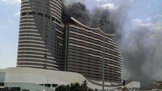 AVM'nin rezidansında korkutan yangın!
