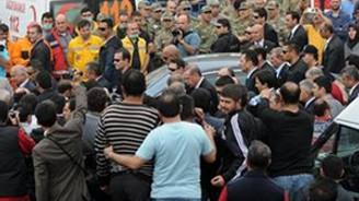Başbakan Erdoğan Soma'da protesto edildi