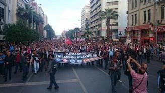Türkiye 'Soma' için ayakta