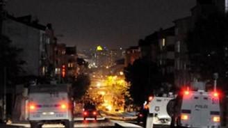 Kadıköy'de izinsiz gösteriye polis müdahalesi