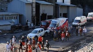 TDV'den hayatını kaybeden işçilerin çocuklarına burs