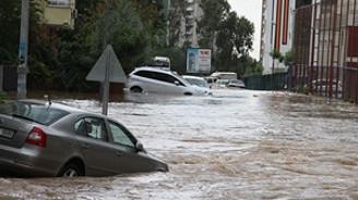 Karadeniz'de kuvvetli yağış uyarısı