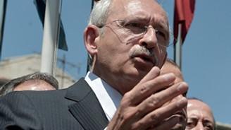 'AK Parti'nin bayrak karnesi kırıktır'
