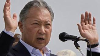 Bakiyev, Kırgızistan'ı terk etti