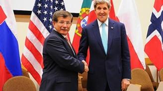 Davutoğlu Kerry ile görüştü