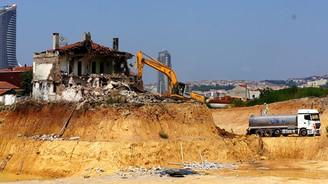 O ev yıkıldı