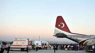 Yaralı Filistinliler uçakla Türkiye'ye getiriliyor