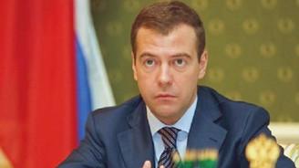 Medvedev'den flaş iddia
