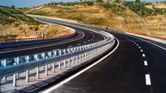 Bölünmüş yollarda hız sınırı 110'a çıkıyor