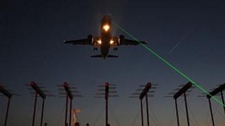 Uçaklara lazer tutana10 bin lira ceza