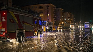Ankara'da etkili olan sağanak yaşamı olumsuz etkiledi