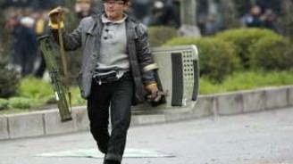 Kırgızistan'da kavga büyüdü: 12 ölü