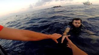 Akdeniz'de 700 göçmen kurtarıldı