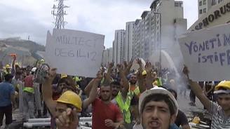 Halkalı'da eylem yapan işçiler yol kapattı