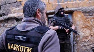 Zehir tacirlerine 8 ayda 34 bin gözaltı